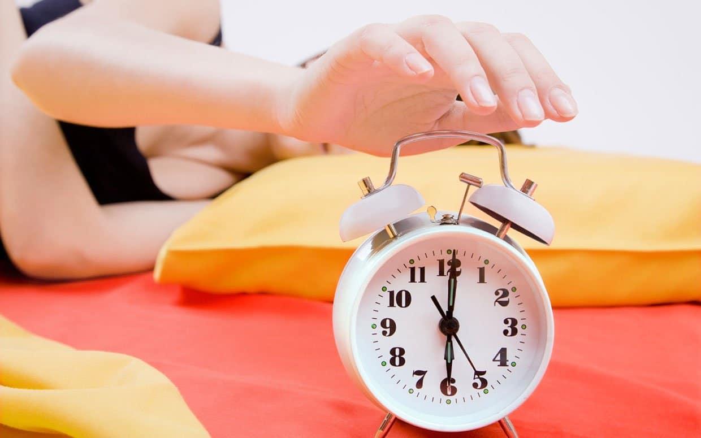 Как быстро и легко просыпаться по утрам : учимся вставать рано утром без 17
